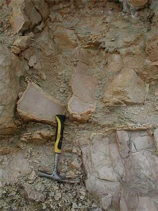 Azuara impact structure Jaulín impact breccia decarbonization of clasts