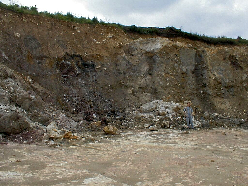 impact ejecta as waste material in a limestone quarry, Ries crater