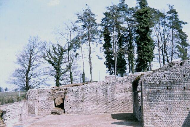 Gallic-Roman site, Chassenon, Rochechouartimpact structure, suevite building stone