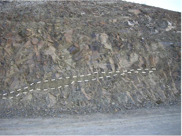 autovía Mudéjar geological outcrop, impact breccia dikes 13, Azuara impact structure