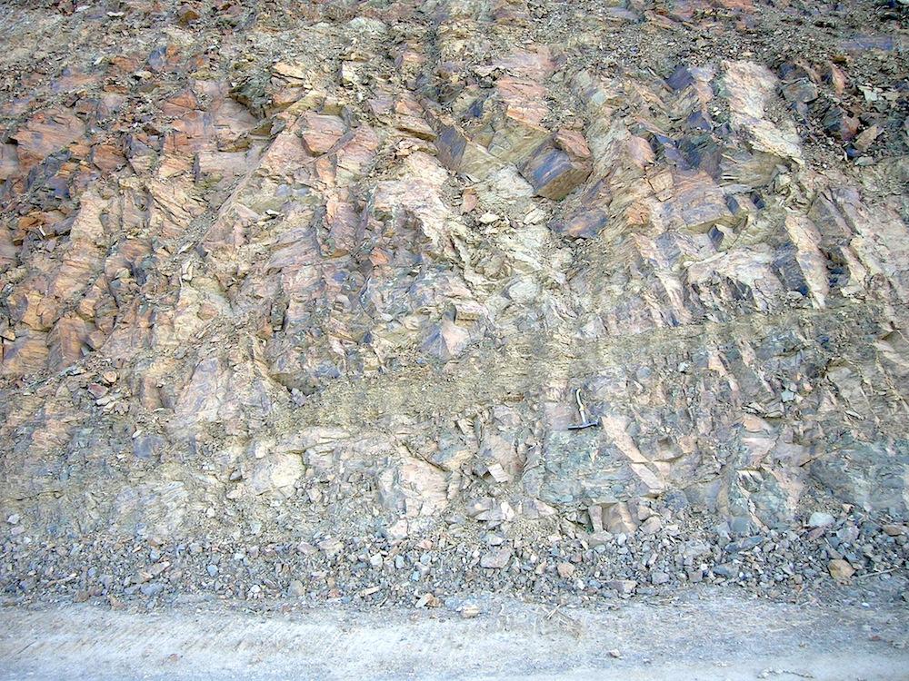 impact breccia dike system, Autovía Mudéjar 6, Azuara impact structure