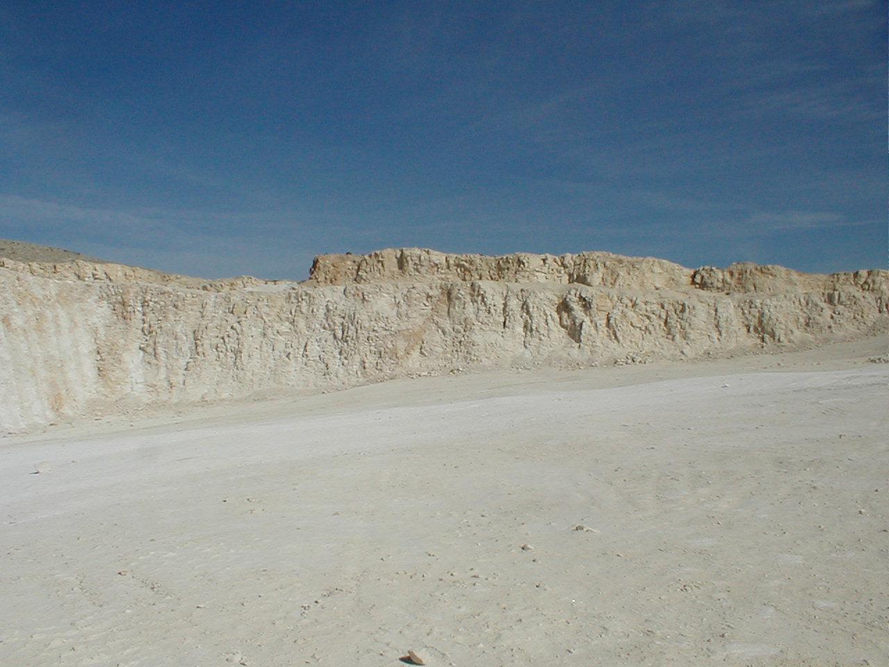 monomictic impact breccia, large quarry near Belchite, Azuara impact structure