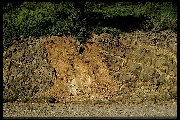 impact breccia dike, Virgen de Herrera, Azuara impact structure