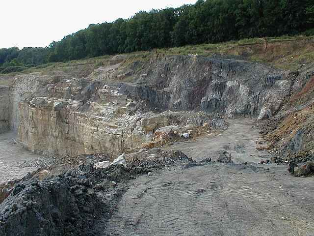 Ries crater, Bunte breccia ejecta over autochthonous Malmian limestones, Ronheim quarry