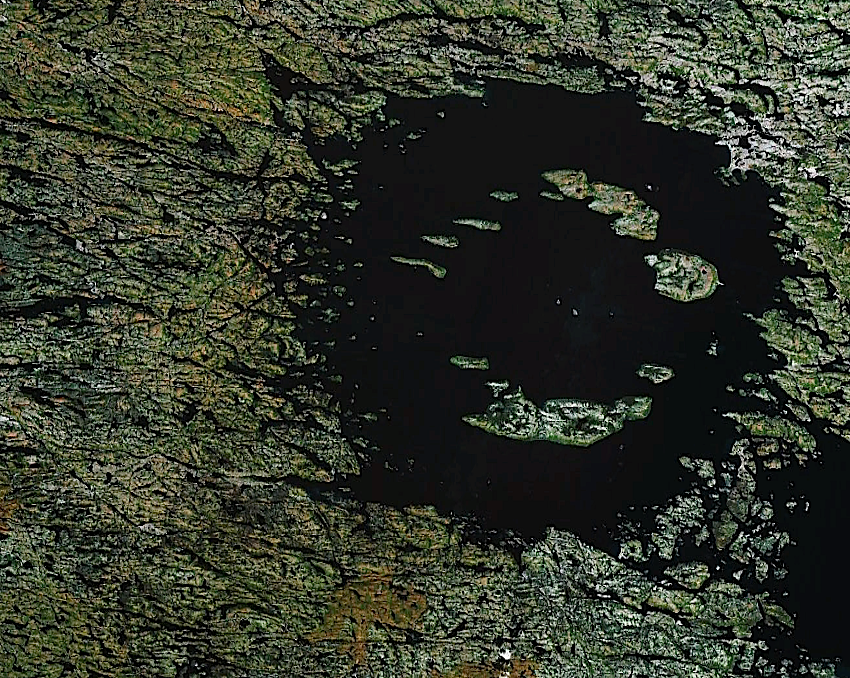 central-peak impact crater Clearwater west, Canada