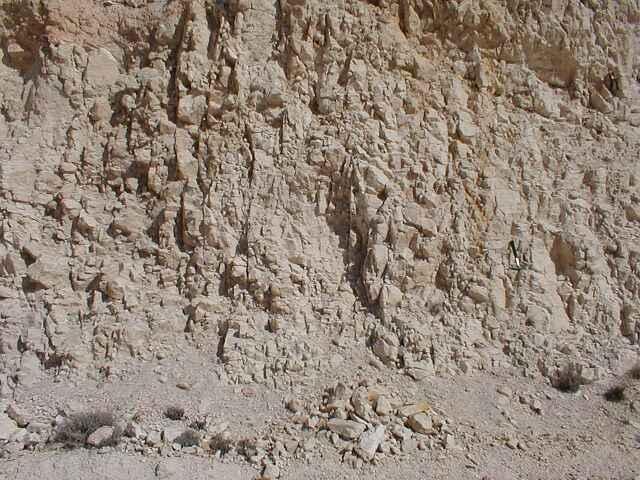 characteristic columnar-platy impact fragmentation, Azuara impact structure, near Belchite