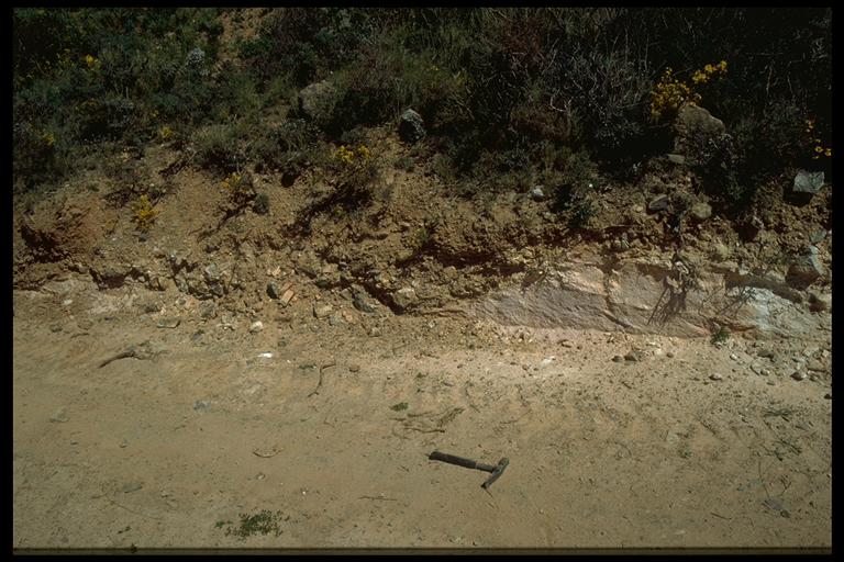 azuara impact structure, dislocated megablock. Paleozoic over Cretaceous, Monforte de Moyuela