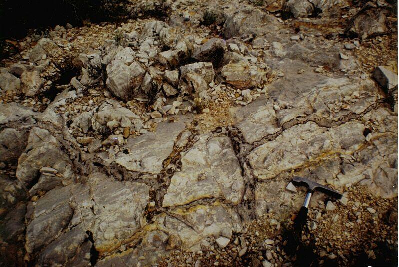 impact breccia dikes, H type, Belchite, Azuara impact structure