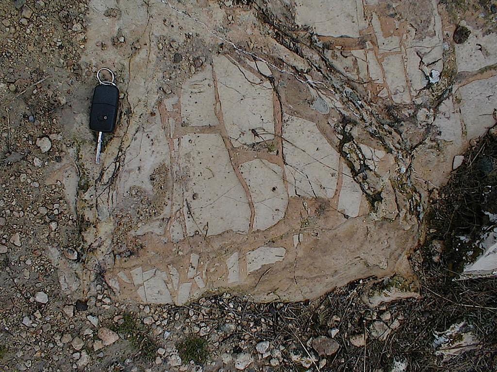 impact breccia dikes, H type, Jaulín, Azuara impact structure