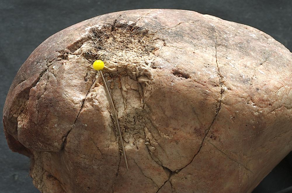 central mound Hertzian crater,intense fracturing, quartzite cobble, Azuara impact event