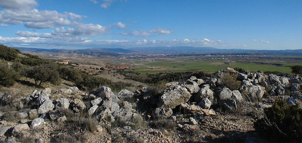 photo of the distant southern rim of the Rubielos de la Cérida impact basin