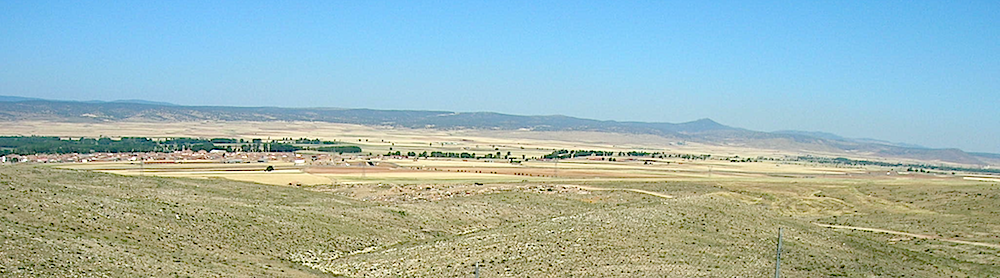photo of the distant western rim of the Rubielos de la Cérida impact basin