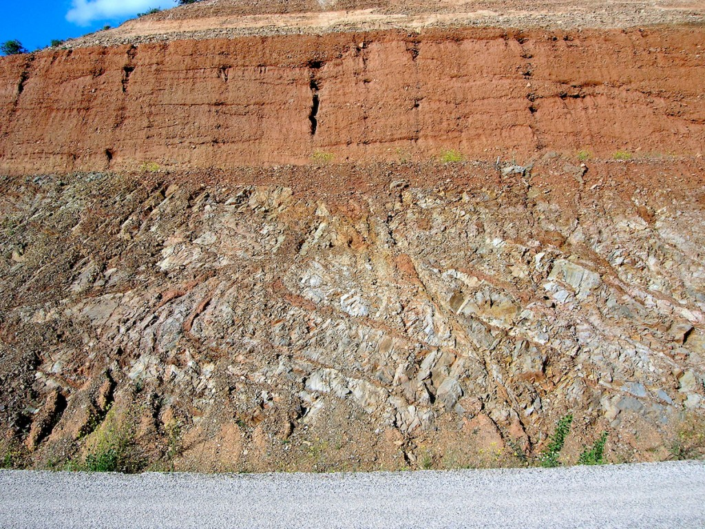 breccia dike system im Paleozoic siltstones, near Lechago, rim of the Rubielos de la Cérida impact basin