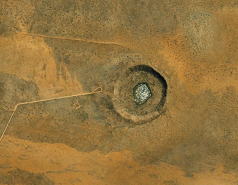a simple meteorite impact crater: Wolfe Creek in Australia