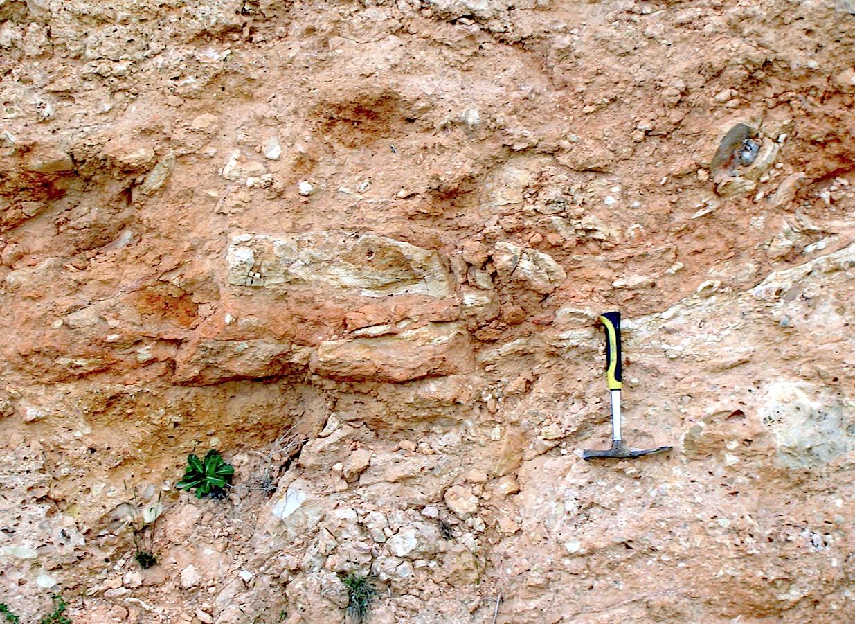 ?pyroclastic flow texture in suevite Rubielos de la Cérida impact Spain