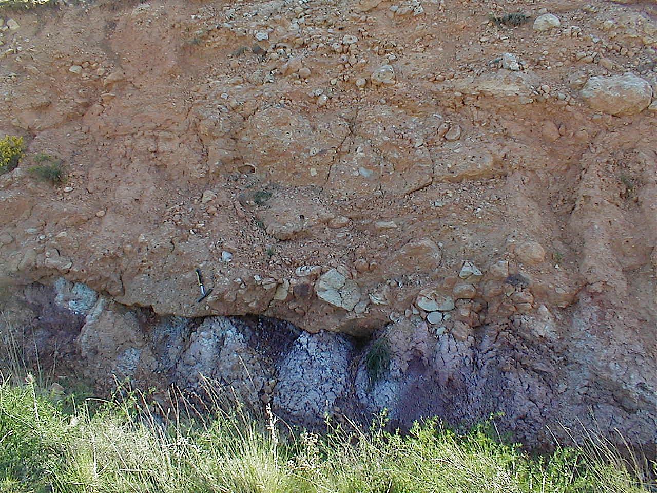 Fuentes Calientes suevite breccia over Utrillas formation