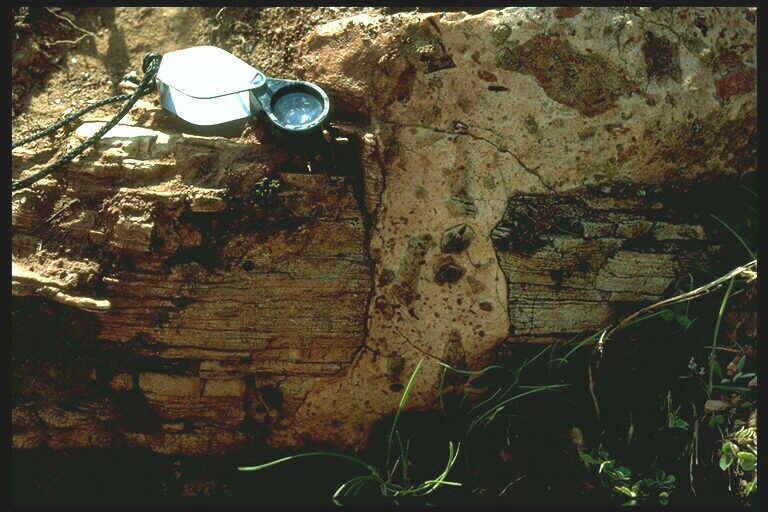 polymictic breccia dike Rubielos de la Cérida impact structure